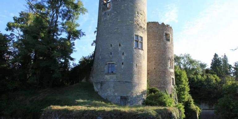 Chateau-CinqMars-Towers