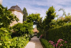 Domaine de Poulaines – Nishiki self catering